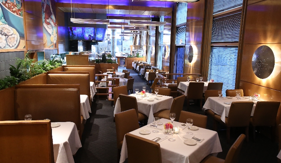 Chicago seafood catch 35 seafood restaurant for Fish restaurant chicago